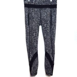 Lululemon | Black & White 7/8 Cropped leggings